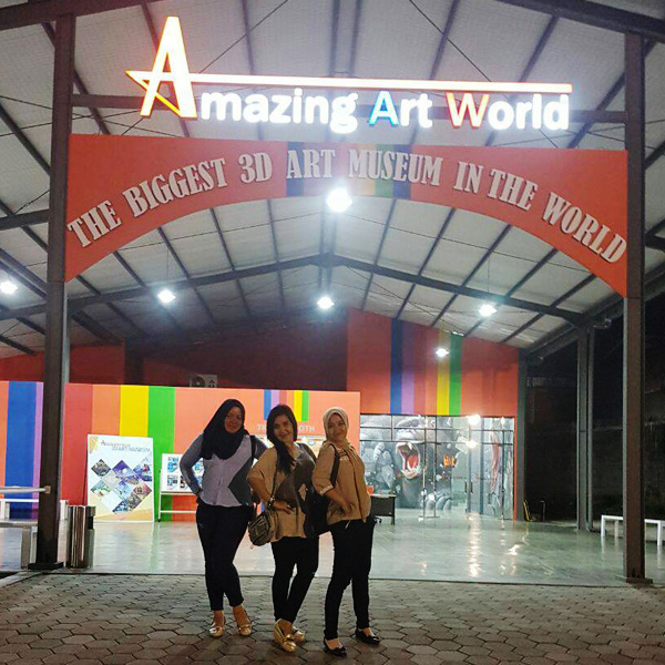Amazing Art World